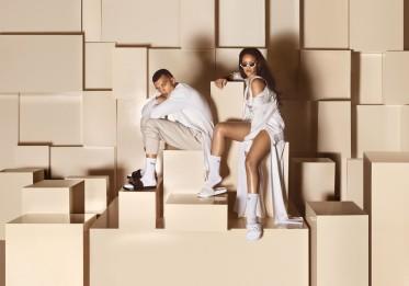 thumbnail_PUMA_Rihanna-Fenty-Slide-Black-White_3